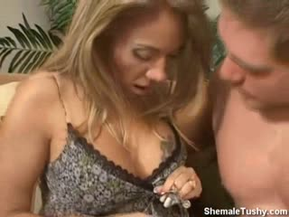 Tranny Gets Her Cock Sucked By Straight Guy
